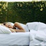 Luftmatratze bequemer machen – die besten Tipps
